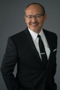 dr-guido-minaya-headshot-image